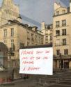 Paris, au temps du coronavirus. Affichage en stock. ©PLuton2020 Pierre Luton